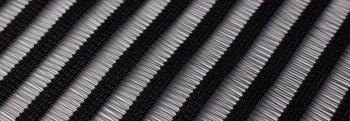 schwarz liniert